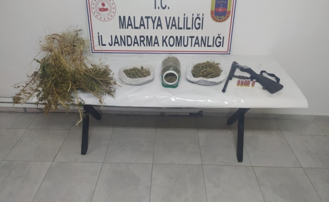 Malatya'da narkotik operasyonu! 2 kilo kubar esrar ele geçirildi