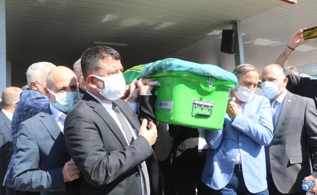 Milletvekili Ağbaba'nın annesi son yolculuğuna uğurlandı