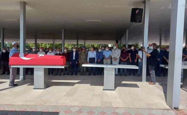 Vefat eden Müzembil Arar için askeri tören