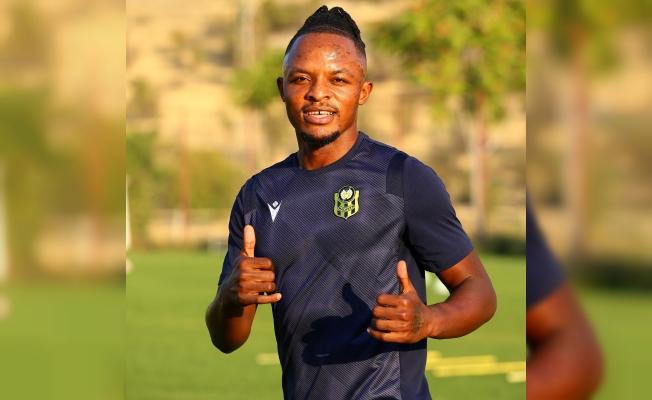 Yeni transfer Walter Bwalya ilk antrenmanına çıktı
