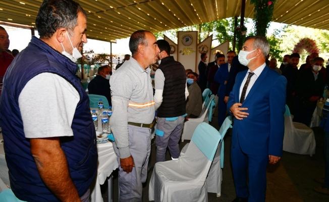 Başkan Çınar, temizlik işleri müdürlüğü ekipleriyle bir araya geldi