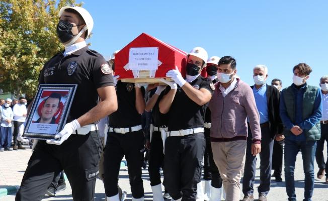 Kazada ölen polis memuru ve babası son yolculuğuna uğurlandı...