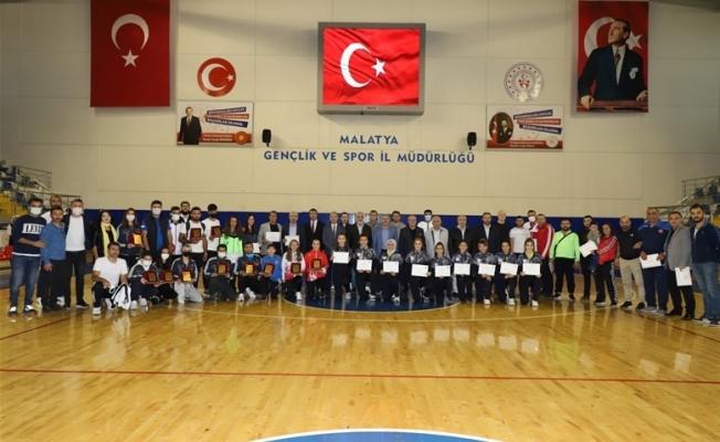 ''Sporun Enleri'' ödül töreni düzenlendi