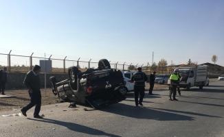 Otomobil takla atıp ters döndü: 1 yaralı