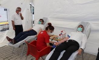 İl Emniyet Müdürlüğü'nden 251 şehit için 251 ünite kan bağışı!