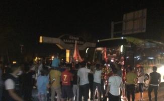 Taraftarlardan B. Yeni Malatyaspor'a coşkulu karşılama