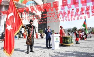Malatya'da Cumhuriyet Bayramı Coşkusu! Kortej yürüyüşü gerçekleştirildi