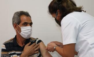 İnönü Üniversitesi'nde öğrenci ve personel için aşı merkezi kuruldu