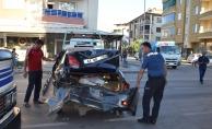 Otomobil çarptı, sonra altına alarak sürekledi, sürücü ağır yaralandı!