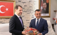 Albayrak'tan Ak Parti ve Vergi Dairesi'ne ziyaret