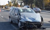 2 otomobilin karıştığı kazada 3 kişi yaralandı!