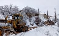 Pütürge'de karla mücadele sürüyor...