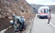 Malatya'da yağışlı hava kaza getirdi, araç takla attı: 4 yaralı!