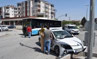 Malatya'da halk otobüsü ile otomobil çarpıştı: 2 yaralı
