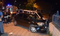 """Polisin """"dur"""" ihtarına uymayan sürücü kaza yaptı: 1 yaralı"""