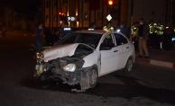 Sivil ekip aracı kaza yaptı: 1 polis yaralı