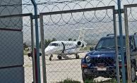 Bakanın uçağı hangara çekildi
