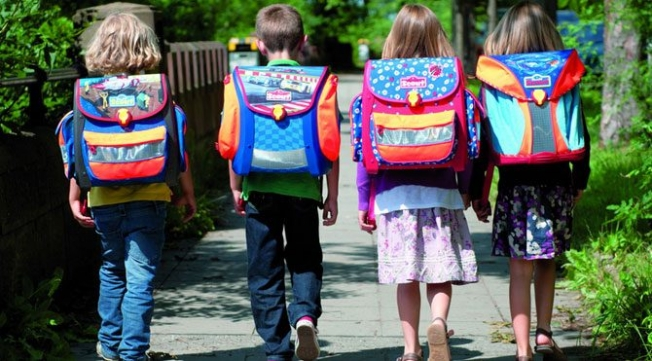 Uzmanlar uyarıyor: Ağır okul çantalarına dikkat!