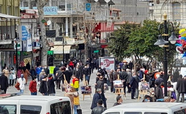 Malatya Caddelerinde aylar sonra yoğun kalabalık!