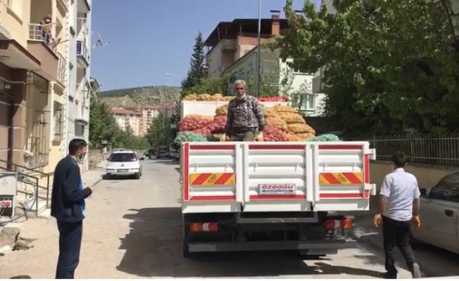 Battalgazi'de ücretsiz soğan ve patates dağıtımı yapılıyor