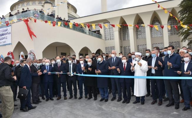Diyanet İşleri Başkanı Erbaş Malatya'da cami açılışına katıldı