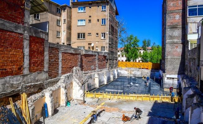 Eski özel idare binası alanında yapılacak olan iş merkezi çalışmaları başladı