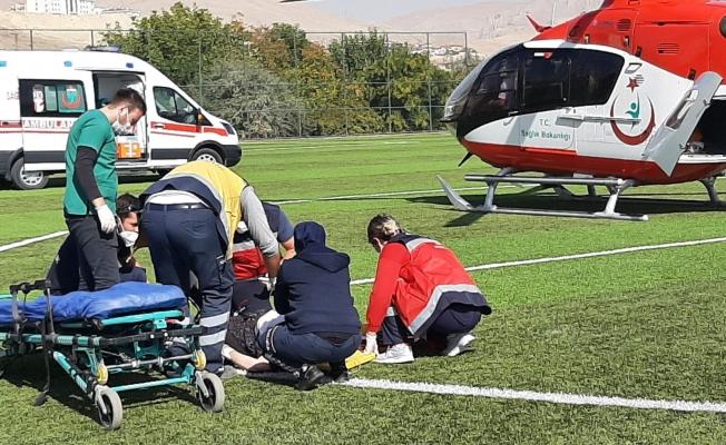 Kalp krizi geçiren adamın imdadına ambulans helikopter yetişti