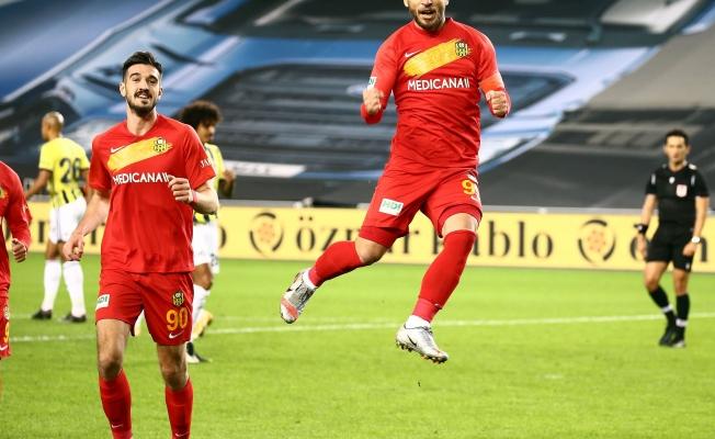 Adem Büyük'ün 15 golünün 9'u penaltıdan