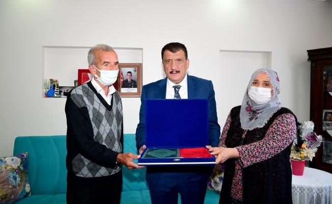 Başkan Gürkan'dan şehit ailelerine ziyaret
