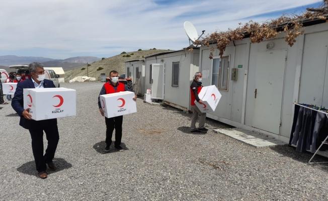 Depremzedelere gıda ve hijyen desteği