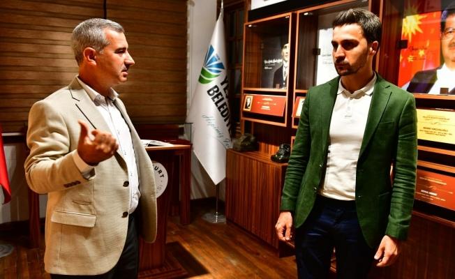 AK Partili Arvas'dan, Yeşilyurt lezzet caddesine tam not