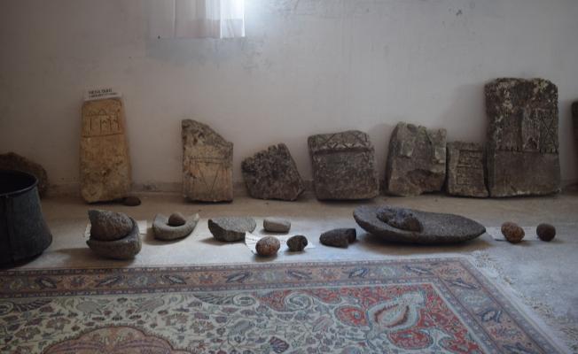 Arapgir halkı, tarihi mezar taşlarına gözü gibi bakıyor