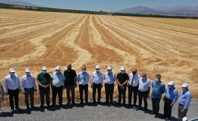 """Çınar: """"Tarımsal vizyonumuzu örnek projelerle geliştiriyoruz"""""""