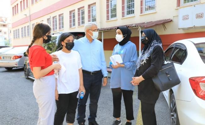 Güder'den YKS'ye giren öğrencilere destek