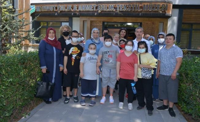 Başkan Çınar, down sendromlu çocukları ağırladı