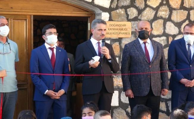 Doğanşehir yeni kütüphanesine kavuştu