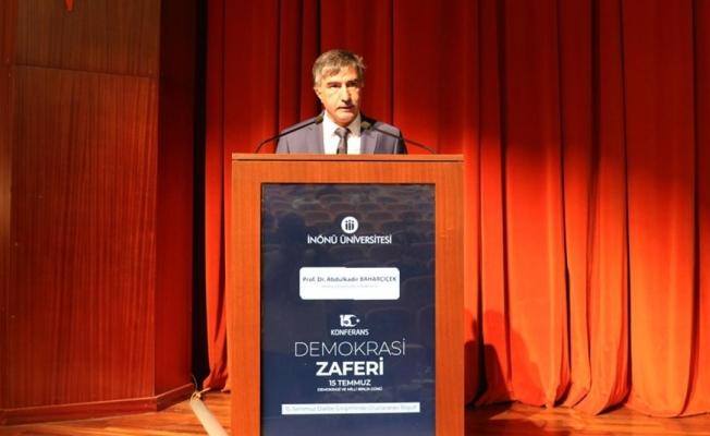 Malatya'da 15 Temmuz hain darbe girişimi konferansı düzenlendi