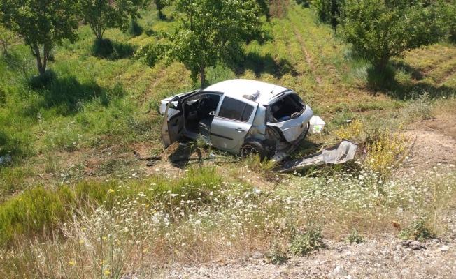 Otomobilin şarampole uçması sonucu 2 kişi yaralandı