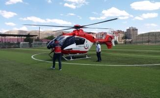 Beyin kanaması geçiren vatandaş, ambulans helikopterle hastaneye yetiştirildi