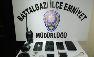 Gizli kaçış noktaları bulunan eve operasyon: 7 gözaltı!