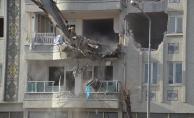 Malatya'da hasarlı binalar yıkılıyor!