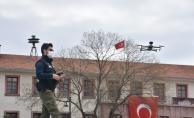 Sesli drone ile sokağa çıkanlar uyarılıyor