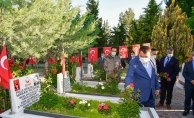 Başkan Gürkan'ın bayramda ilk durağı şehitlik oldu